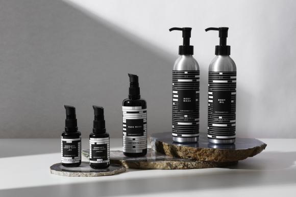 Cryosmetics es una marca uruguaya de cosméticos 100% natural, diseñada por científicos para el cuidado de la piel.